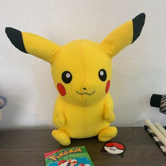 2017 Pokemon Stuffed Animal Pikachu + 1999 Book